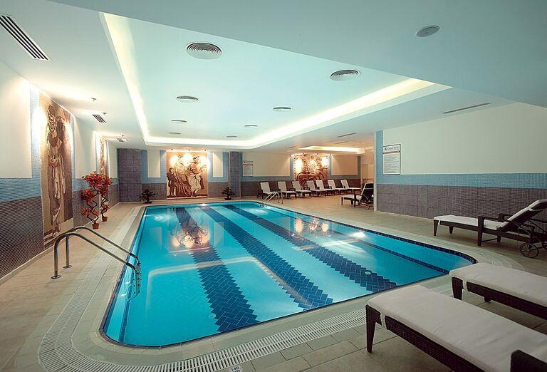 Vnútorný bazén hotela Kaya Artemis