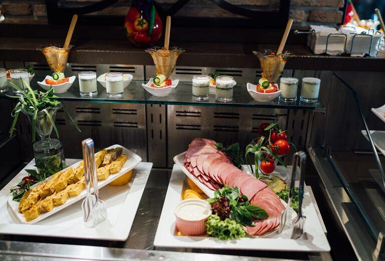 Chutná ponuka švédskych stolov hoteli Limak Cyprus