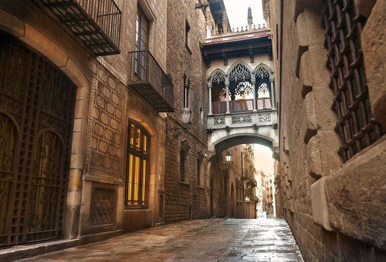 Barcelona s pobytom pri mori - ulice mesta