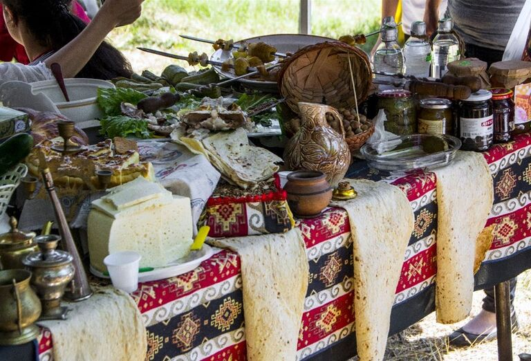 Za krásami Arménska- trhy