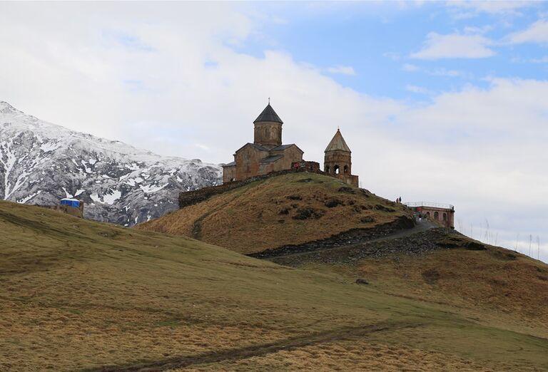 Západné Gruzínsko - hrad na kopci