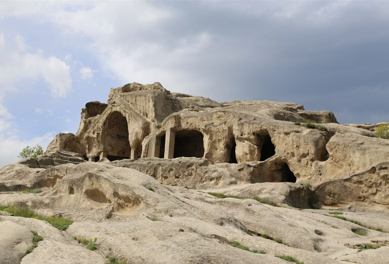 Západné Gruzínsko - vytesané skaly