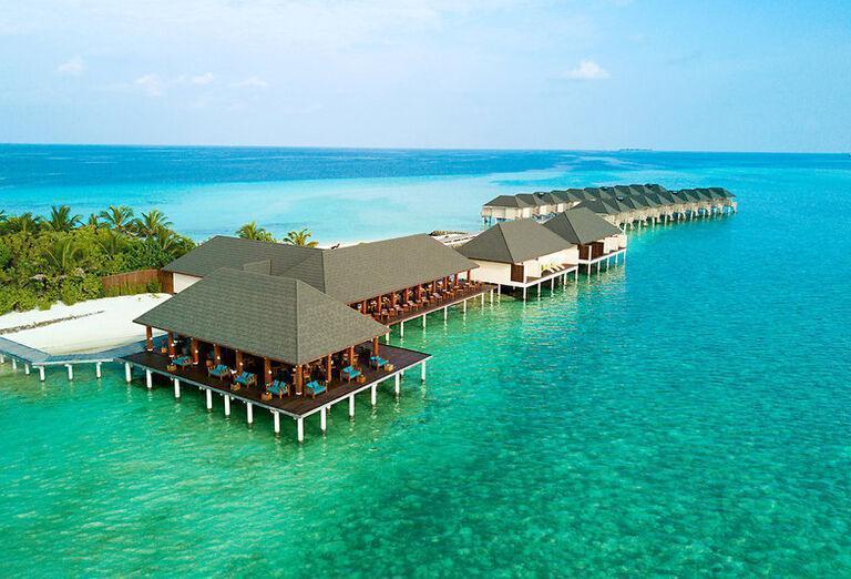 Summer Island Maldives - Pohľad z výšky na more a chatky
