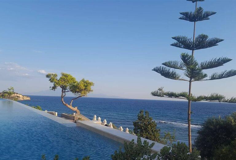 Bazén v hoteli Sentido Alexandra Beach