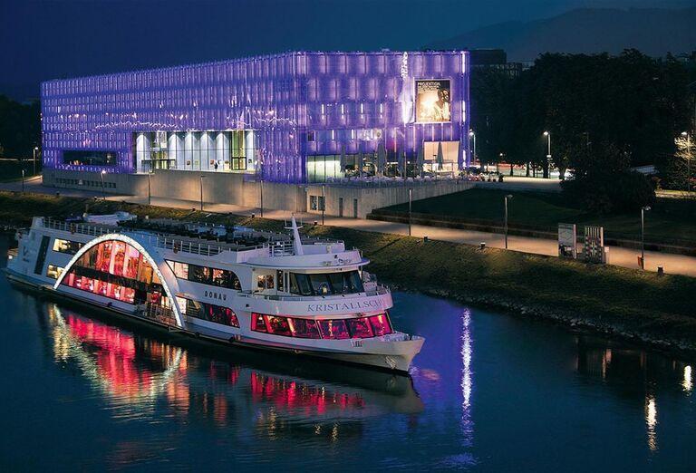 Víkend v Linzi a okolí - výletná loď