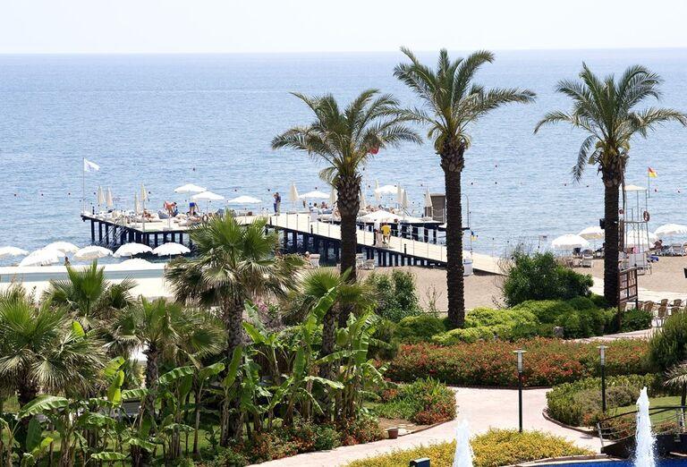 Pláž Hotel Miracle Resort *****