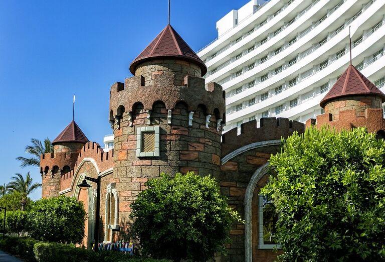Detská atrakcia v podobe hradu v hoteli Miracle Resort