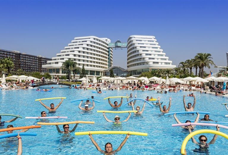 Animácie v bazéne hotela Miracle Resort