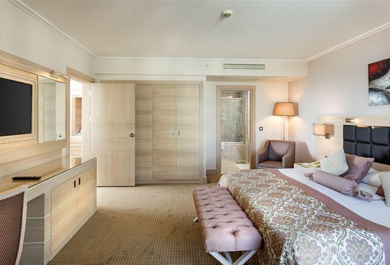 Priestranná izba v hoteli Miracle Resort