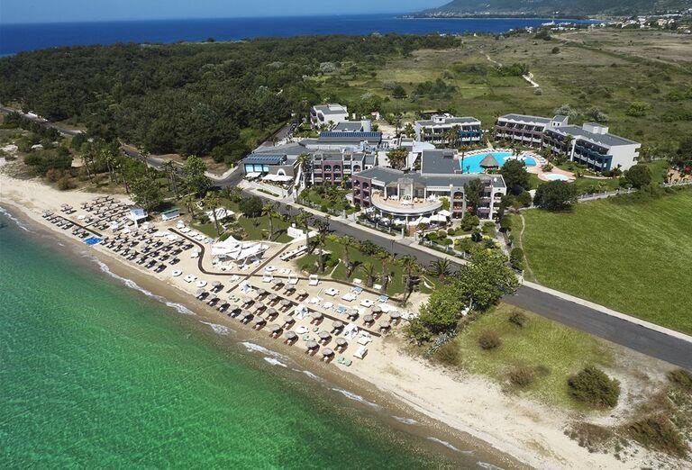 Pohľad z výšky na hotel Ilio Mare