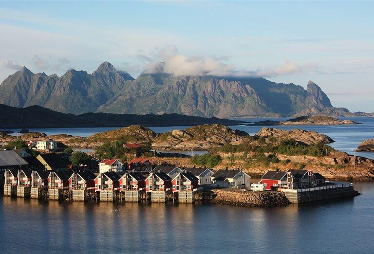 Nórsko za polárny kruh - pohľad na domčeky