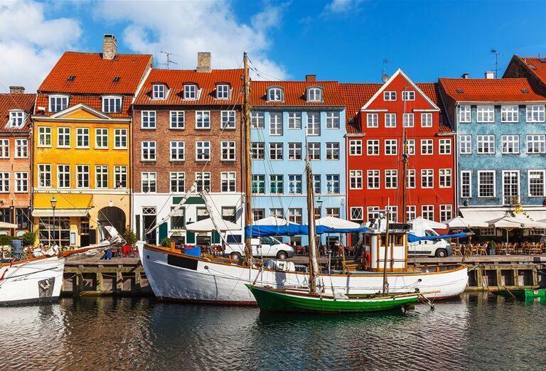Veľký okruh Dánskom - farebné domy