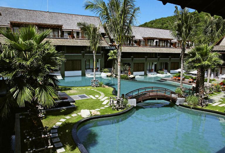 Mai Samui Beach Resort & Spa -Areál hotela