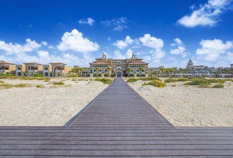Mólo vedúce k hotelu Rixos Saadiyat Island Abu Dhabi