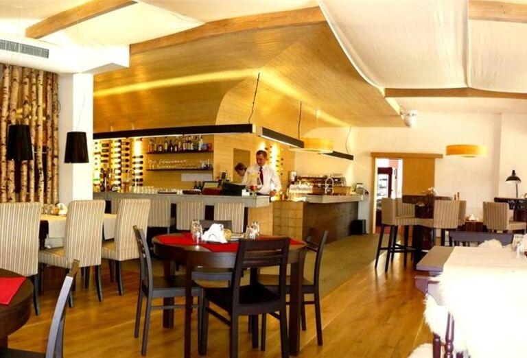 Reštaurácia, hotel Toliar, Štrbské Pleso
