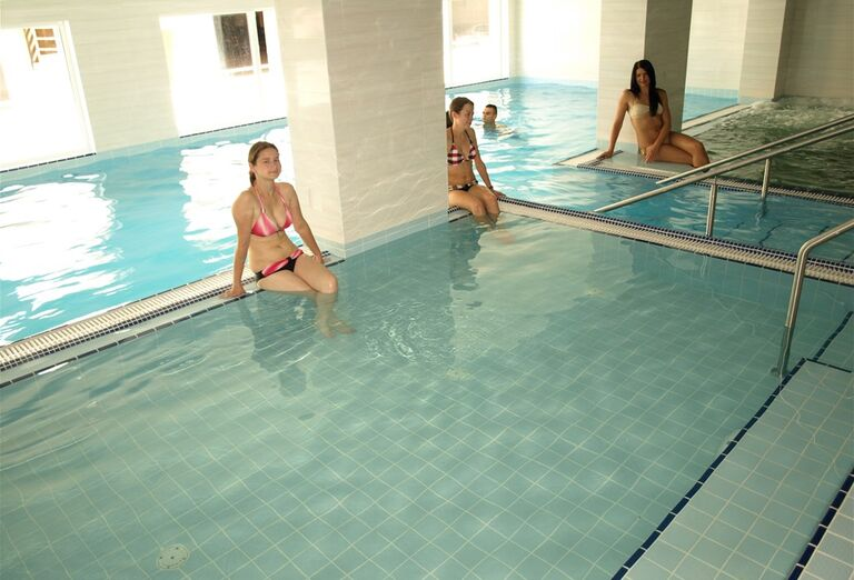 Bazén, hotel Toliar, Štrbské Pleso