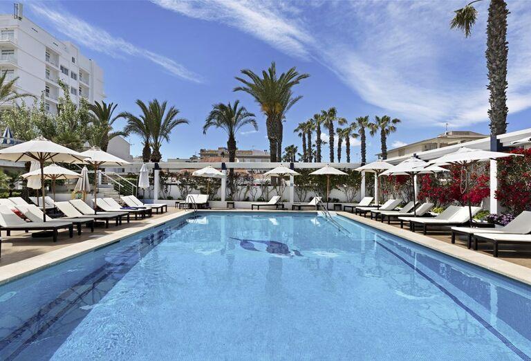 Bazén v hoteli THB Gran Playa