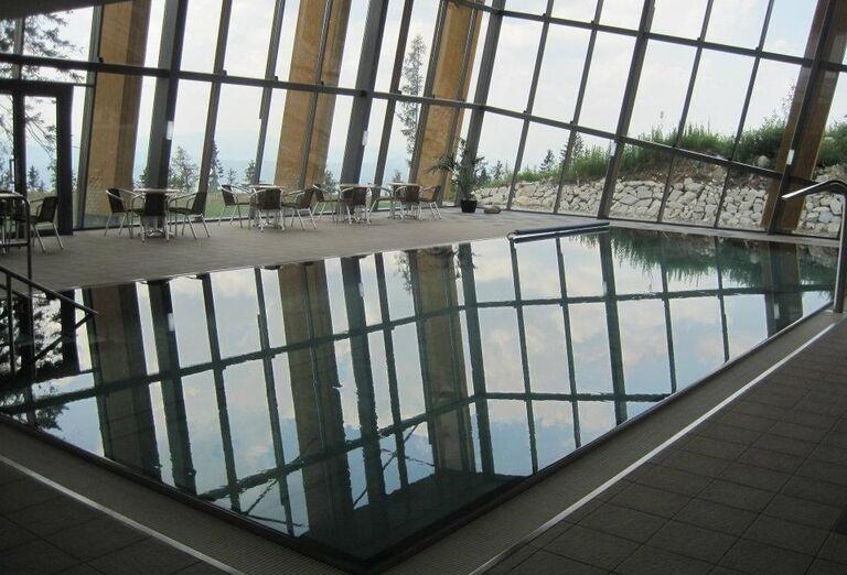 Vnútorný bazén v hoteli Sorea Trigan