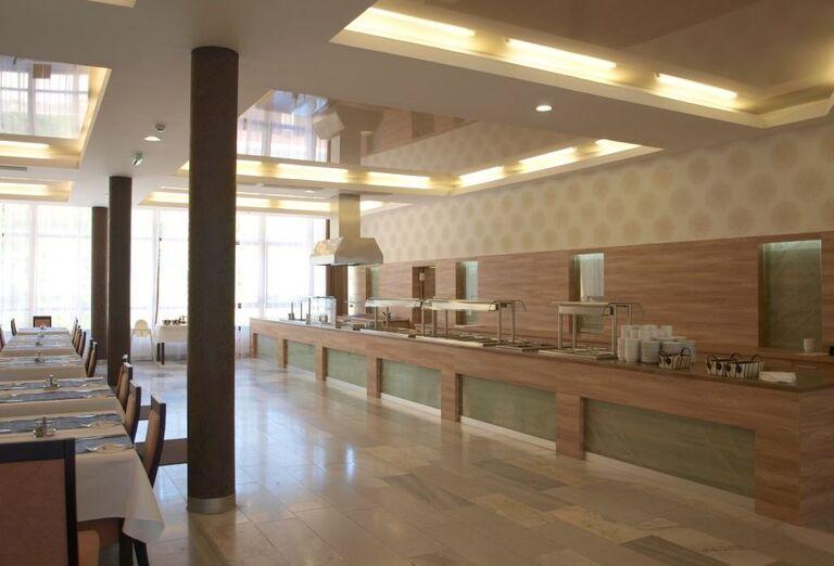 Śvédske stoly v hoteli Sorea Urán
