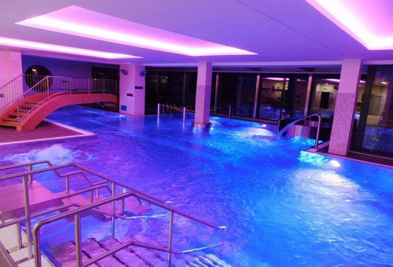 Vnútorný bazén v hoteli Sorea Urán