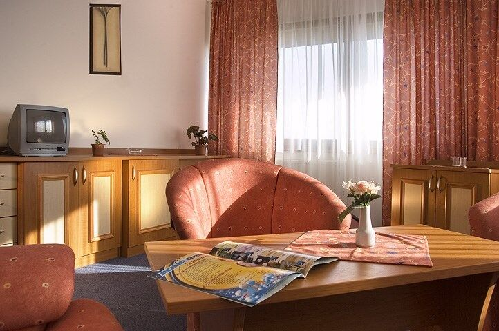 Posedenei na izbe hotela Sorea Titris