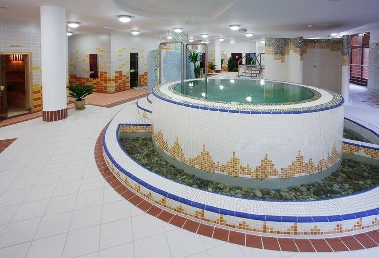 Saunový bazénik, Wellness Hotel Patince
