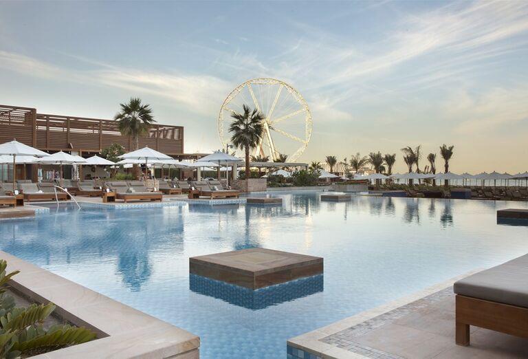 Veľký bazén v hoteli Rixos Premium Dubai