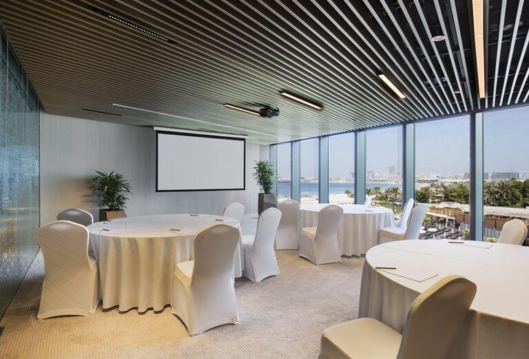 Konferenčná miestnosť v hoteli Rixos Premium Dubai