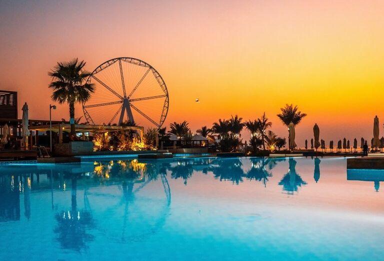 Bazén v hoteli Rixos Premium Dubai