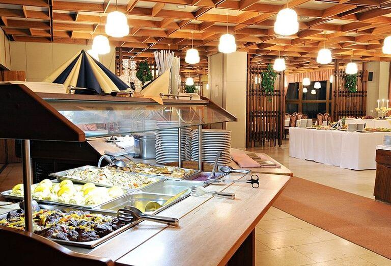 Švédske stoly v hoteli Sorea Hutník