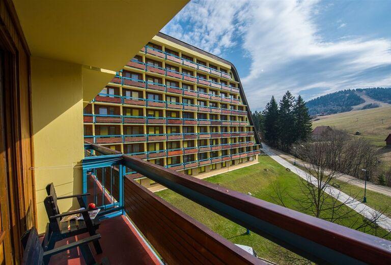 Výhľad z terasy hotela Sorea Ľubovňa