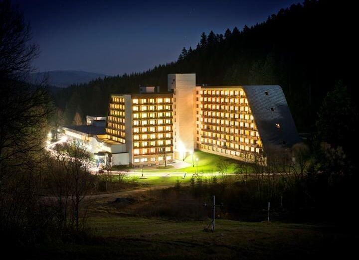 Večerný pohľad na hotel Sorea Ľubovňa