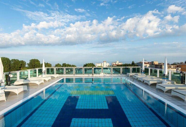 Vodný svet Hotel Colombo ****