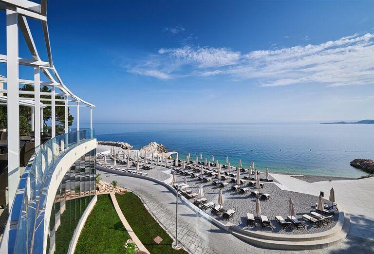 Pohľad  z terasy - Kempinski Hotel Adriatic