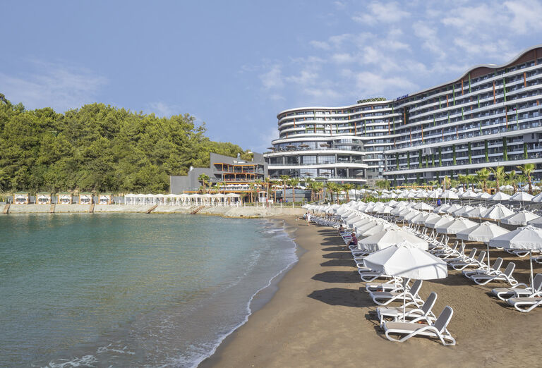 Pláž Mylome Luxury Hotel & Resort *****