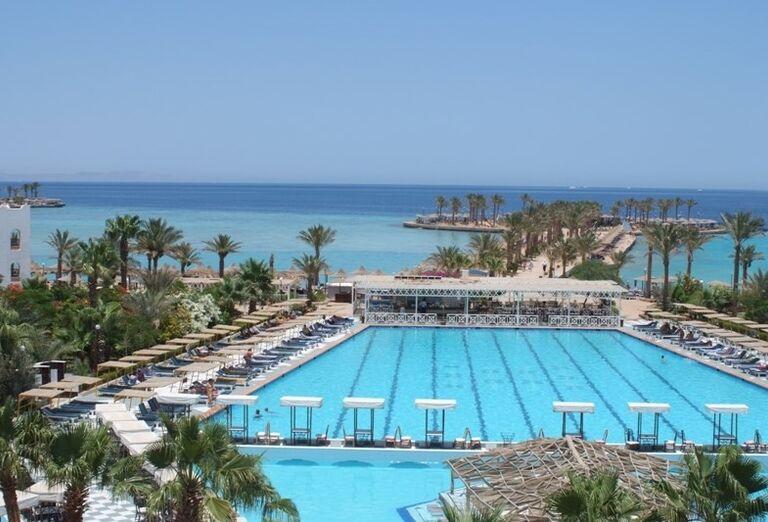 Olympíjsky bazénv hoteli Arabia Azur