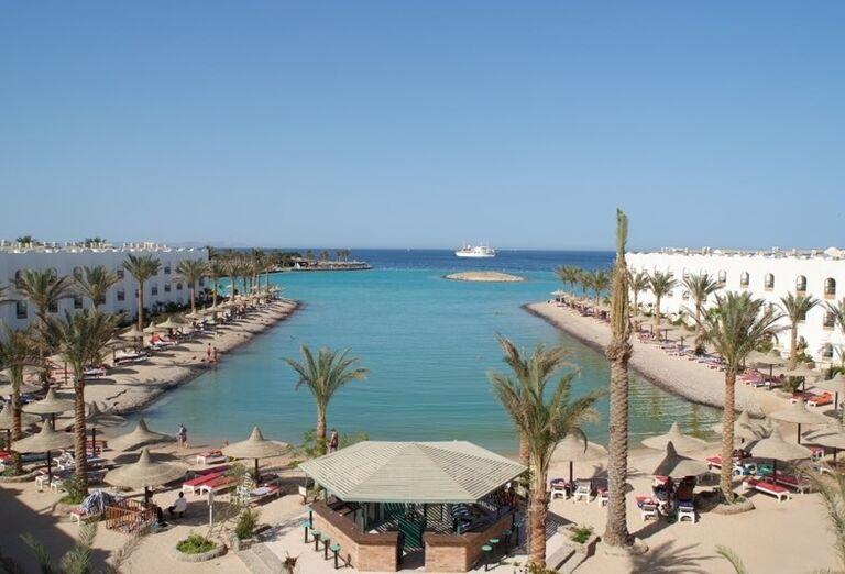 Lagúna hotela Arabia Azur