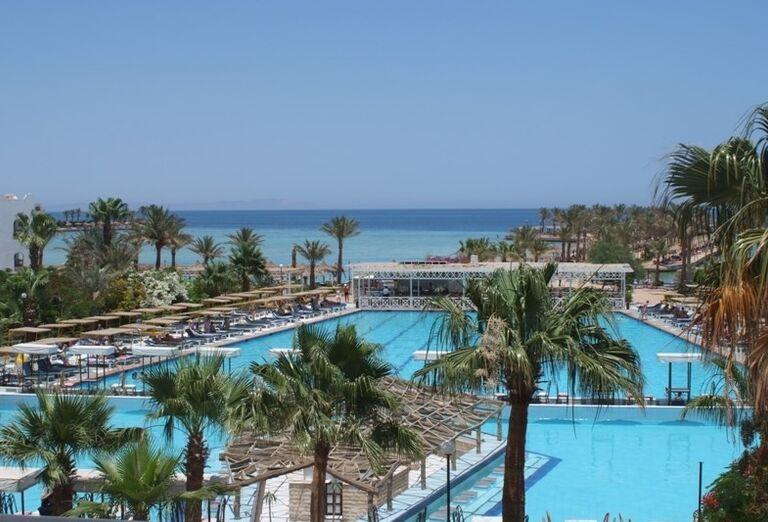 Komplex bazénov v hoteli Arabia Azur
