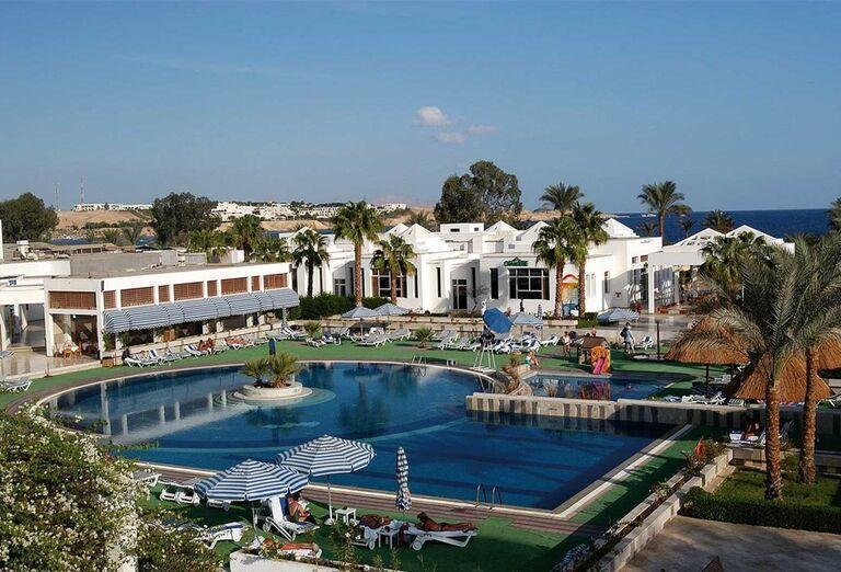 Areál hotela Maritim Jolie Ville Resort & Casino