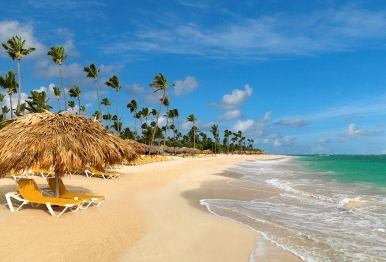 Pláž pred hotelom Iberostar Dominicana