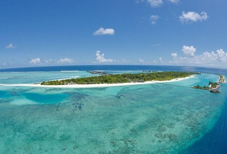 Pohľad na ostrov a hotel Paradise Island Resort & Spa