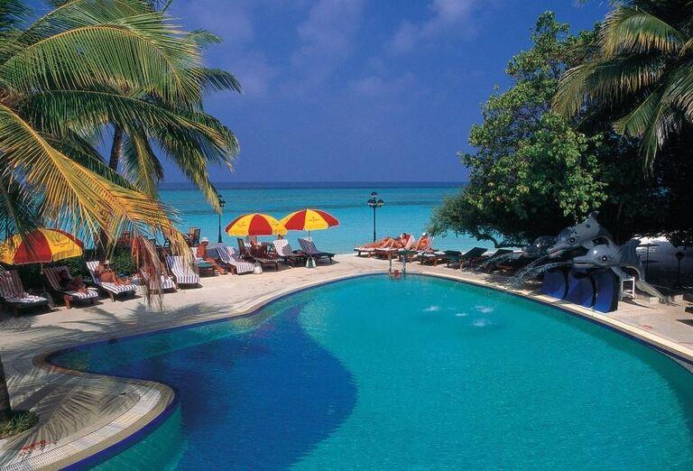 Bazén v hoteli Paradise Island Resort & Spa