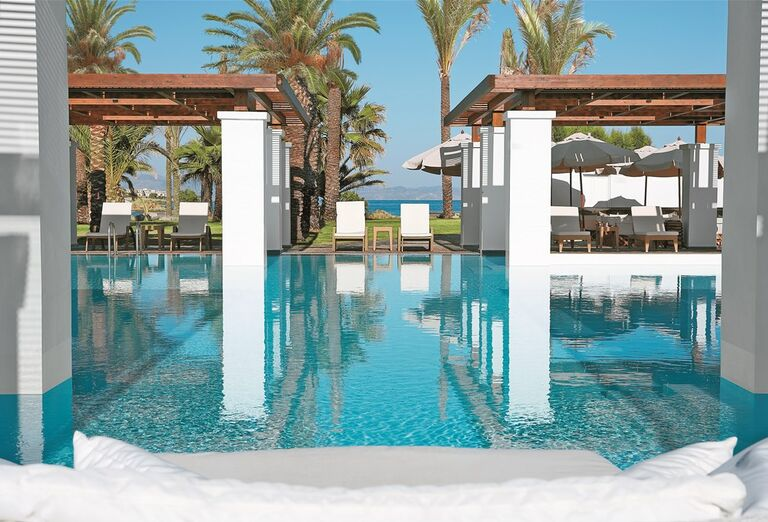 Bazén v hoteli Amirandes Grecotel Exclusive Resort