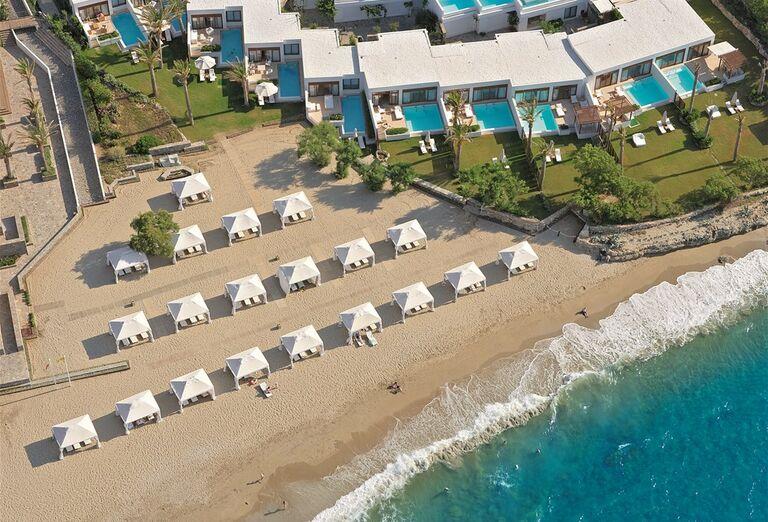 Pláž pred hotelom Amirandes Grecotel Exclusive Resort