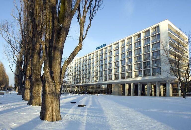 Pohľad na hotel Danubius Health Spa Resort krídlo Palace