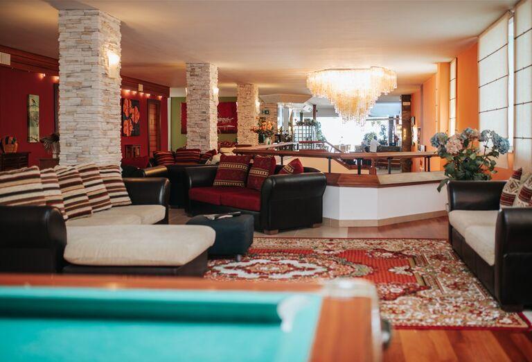 Pohľad na interiér hotela Capitol