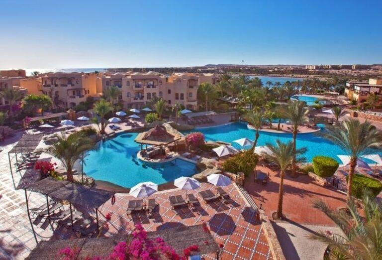 Pohľad na areál hotela Steigenberger Coraya Beach