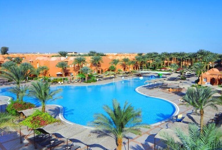Bazén hotela Jaz Makadi Oasis Resort