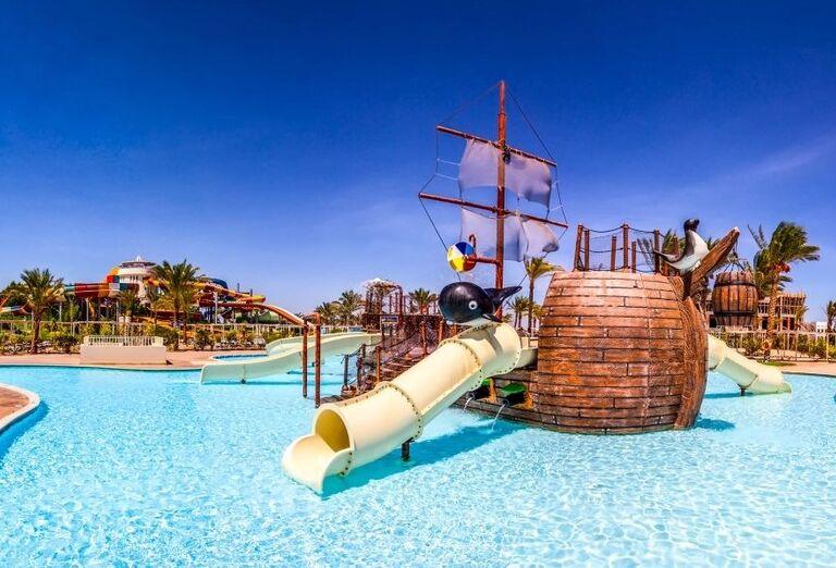 Bazén s atrakciami pre najmenších v hoteli Jaz Makadi Oasis Resort