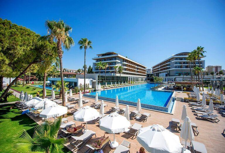 Areál hotela Barut Acanthus & Cennet